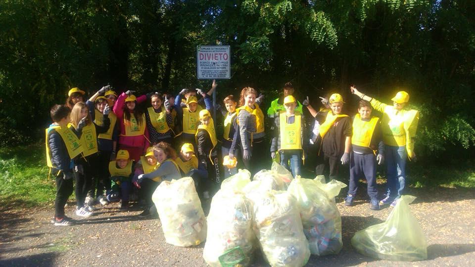 Studenti e volontari per ripulire Tresana! Puliamo il Mondo Lunigiana