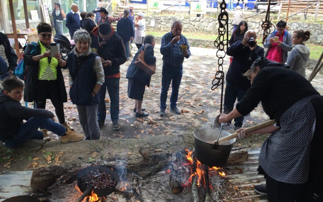 Le immagini del minitrekking della Polenta di castagne